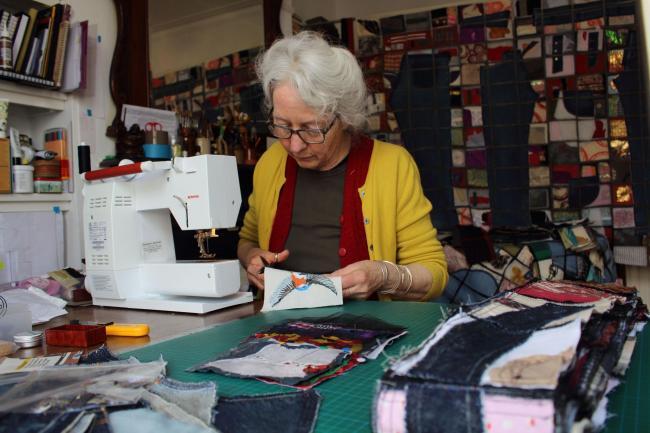 Artist Gwen Simpson